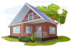 Energia solar Inquietação com o ambiente Casa com painéis solares Fontes de energia alternativas Foto de Stock Royalty Free