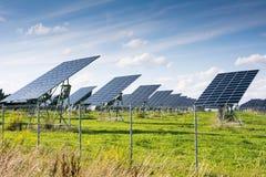 Energia verde con fotovoltaico Fotografia Stock Libera da Diritti