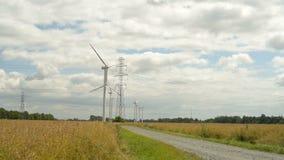 Energia verde da turbina eólica vídeos de arquivo
