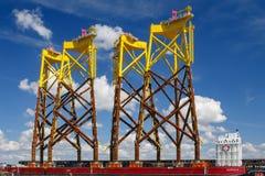 Energias eólicas no mar Imagens de Stock Royalty Free