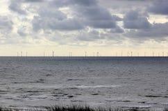 Energias eólicas a pouca distância do mar Mar do Norte, os Países Baixos Imagens de Stock Royalty Free