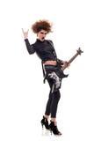Energic Frau, die Gitarre spielt Lizenzfreies Stockbild