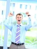 Energiczny młody biznesmen zdjęcia stock