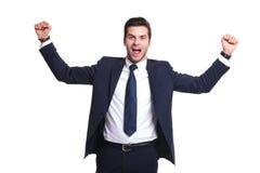 Energiczny młody biznesowego mężczyzna target555_0_ sukces zdjęcia royalty free