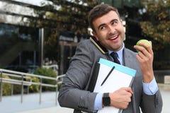 Energiczny pracownika multitasking z kopii przestrzenią zdjęcie stock