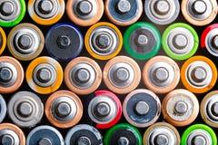 Energie abstracte achtergrond van kleurrijke batterijen Royalty-vrije Stock Afbeelding
