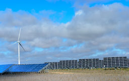 Energie rinnovabili al tramonto II fotografia stock libera da diritti