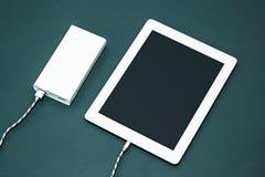Energiebank und -laptop Lizenzfreies Stockfoto