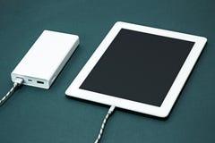 Energiebank und -laptop Lizenzfreies Stockbild