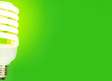Energiesparende Glühlampe stockfotografie