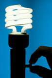 Energiesparende Leuchtstoff Glühlampe Stockbild