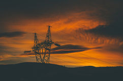 Energietoren op Gebied Stock Fotografie