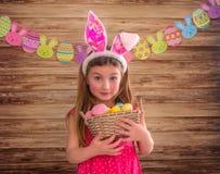 Enfance de lapin de Pâques image stock