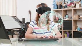 Enfant à la maison faisant son travail dans un espace virtuel clips vidéos