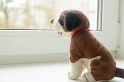 Enfant absent Jouet abandonné solitude Photo stock