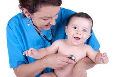 Enfant au docteur Image libre de droits