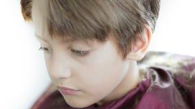 Enfant au raseur-coiffeur banque de vidéos