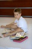 Enfant avec des livres Image libre de droits
