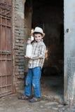Enfant avec du lait frais Photo stock