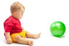 Enfant avec la bille Image stock