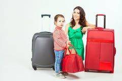 Enfant avec la mère prête à voyager à l'Europe, Italie Image libre de droits