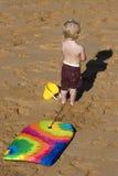 Enfant avec le panneau de boogie Images libres de droits