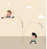 Enfant avec le ressort au saut de chaussure à travers un autre homme Photographie stock libre de droits