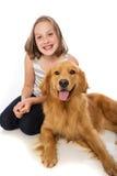 Enfant avec son chien Image libre de droits