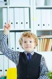 Enfant ayant un moment d'Eureka Concept d'écolier de génie, d'éducation élémentaire et d'aspirations d'avenir photographie stock