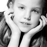 Enfant blond dans le duo-son Image stock