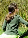 Enfant dans la forêt Images libres de droits