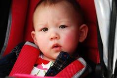 Enfant dans la poussette photos libres de droits