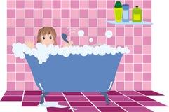 enfant dans la salle de bains Photographie stock libre de droits