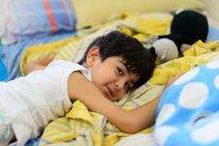 Enfant dans le bâti Images libres de droits