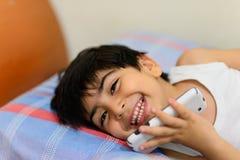 Enfant dans le bâti Photo libre de droits