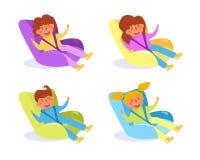 Enfant dans le vecteur de siège de voiture d'enfant cartoon Art d'isolement sur le fond blanc illustration libre de droits