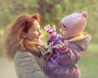 Enfant de mère Images stock