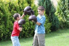 Enfant de mêmes parents de boxe Image libre de droits