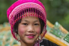Enfant de tribu de colline dans l'habillement traditionnel chez Doi Suthep Images stock