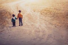 Enfant deux dans le domaine photos libres de droits