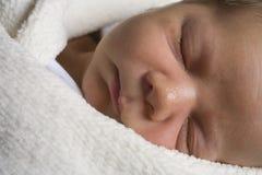 Enfant en bas âge de sommeil Images libres de droits
