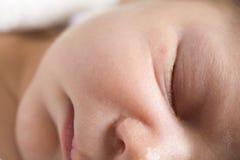 Enfant en bas âge de sommeil Images stock