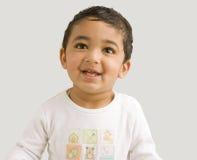 enfant en bas âge de sourire de verticale images stock
