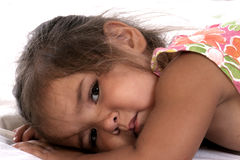 Enfant en bas âge somnolent Images stock
