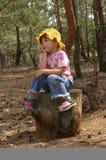 Enfant en bois image stock