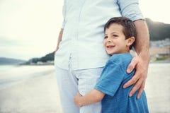 Enfant en sécurité sentant Images stock