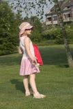 Enfant en stationnement Image libre de droits