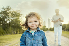 Enfant et homme photo libre de droits