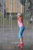 Enfant et la chaleur Image stock