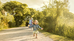 Enfant et mère célibataire Photos libres de droits